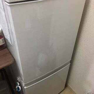 シャープ 冷蔵庫 小型 2ドア  137L ホワイト SJ-D1...
