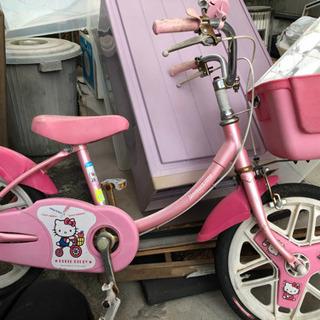 キティちゃんの自転車の画像
