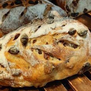 2月から焼きたてパンを卸します