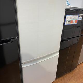 SHARPの2017年製2ドア冷蔵庫です!