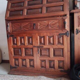 スペイン家具(ライティングビューロー) カステリアンスタイル