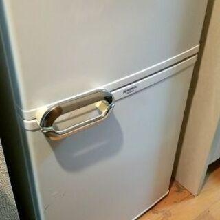 引っ越しにともないお譲りします(冷蔵庫)
