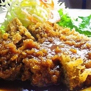【札幌の洋食屋】キッチンとホールスタッフ