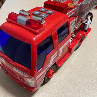 消防車 おもちゃ