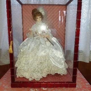 💴⤵️最値下げ ガラスケース入り人形