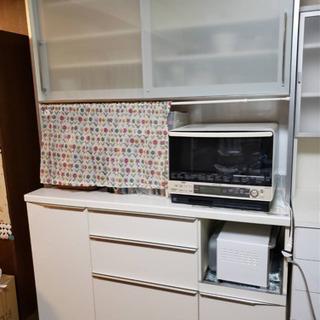 パモウナゆっくり閉まる食器棚140幅