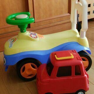 ベビー乗り物と車のおもちゃ