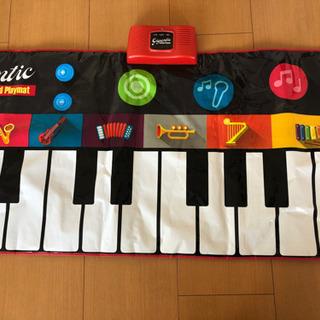 脚踏みピアノ 新品に近い