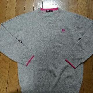 【ブラックレーベル】Vネックのセーター