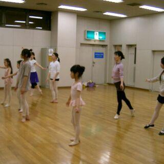 バレエスタジオ子供のお世話