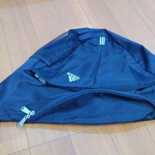 【取引完了】adidas斜め掛けスポーツバッグ