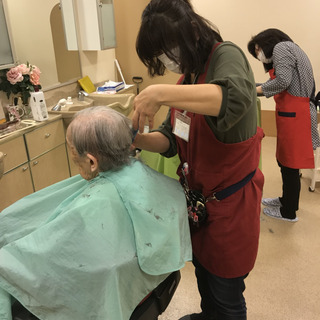 グッドライフは、横浜市内で訪問理美容を専門に平成9年から事業を展...
