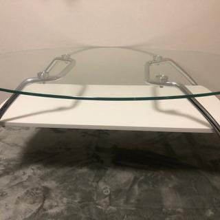 ガラステーブル(ニトリ)