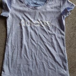 値下げ❗120㌢adidasアディダス 水色Tシャツ
