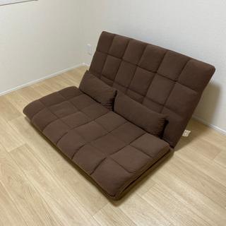 茶色のソファーベッド