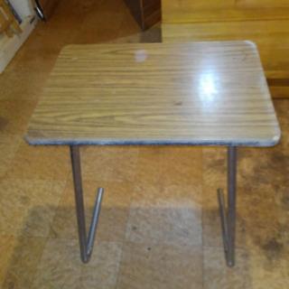 テーブルと椅子 あげます 取引中