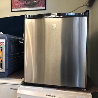 エレクトロラックス 1ドア 冷蔵庫 2015 45L