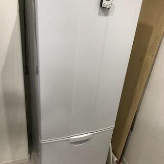冷蔵庫と洗濯機 差し上げます(家具もあり) 全部まとめてお願いします