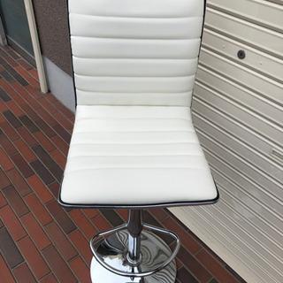美品■ニトリ カウンターチェア レザー ホワイト 上下調整可能 イス 椅子 - 東大阪市