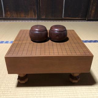 囲碁盤と碁笥