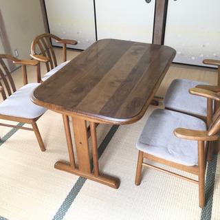 【ネット決済】ダイニングテーブルと椅子4脚セット(お値下げしました)