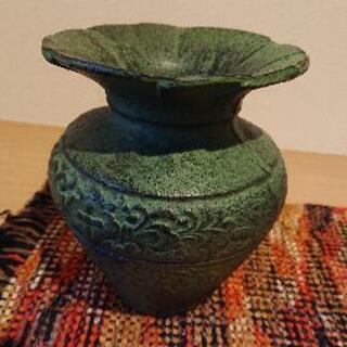 鋳物の花瓶
