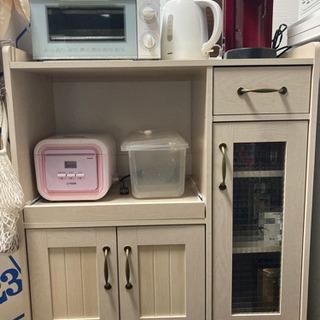 食器棚※棚のみ※ご希望あればピンクの炊飯器もおつけします。