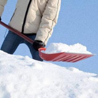 屋根雪下ろし作業