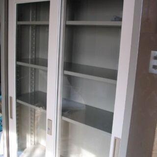 中古スチール書庫 鍵付き ガラス引戸