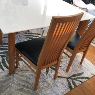 ダイニング&椅子4脚セットの画像