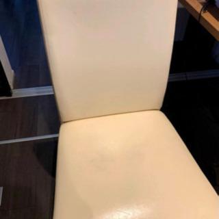 値下げしました❗️ 落ち着いた色の2人用ダイニングテーブルの画像