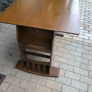 ニトリ伸縮ダイニングテーブル 回転椅子セット