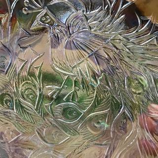 孔雀の虹色大皿