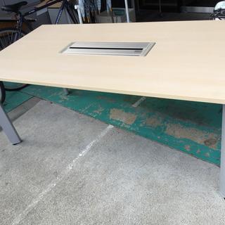 オカムラミーティングテーブル