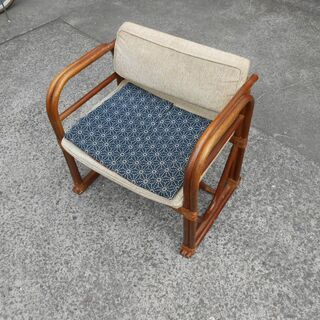 新品同様 籐椅子