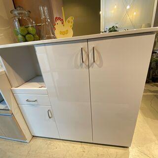 ミドルレンジボード ニトリ 白 収納棚 食器棚 中古品