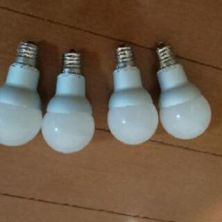 E17口金LED電球(電球色)