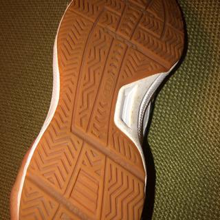 体育館シューズ 21.5cm - 靴/バッグ