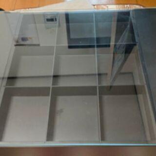 無料 ドンキホーテ ガラスコレクションテーブル(ブラック)