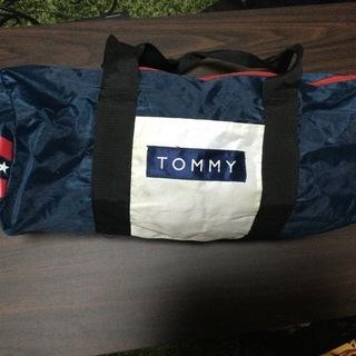 トミーヒルフィンガ-ドラムバッグ