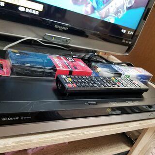 ☆高年式!4K Ultra HD!2TB・3チューナー!AQUO...