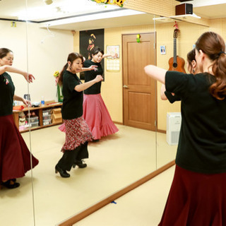 平日昼間のクラスもあります!楽しくフラメンコを踊りましょう♪体験...