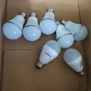 取り引き中 LED電球 E26金口 中古 7個の画像