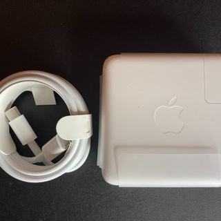 値下げ【未使用】MacBook Pro 61w 充電器アダプター...