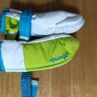 フェニックスのグローブ型手袋 2,3歳用
