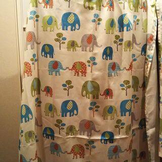 【値引きしました】ゾウ柄のカーテン(幅146、丈134)×…