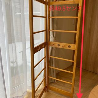 木製の衣類や小物の収納ラック 折り畳めます