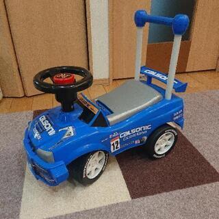 乗れるおもちゃの車  足蹴り車