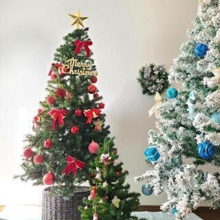 クリスマスツリーと小さいツリー