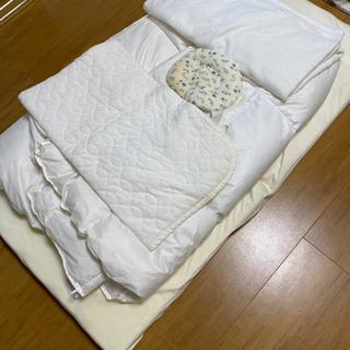 ベビー用の敷布団 防水カバー付き、枕、毛布、シーツ、掛け布団付
